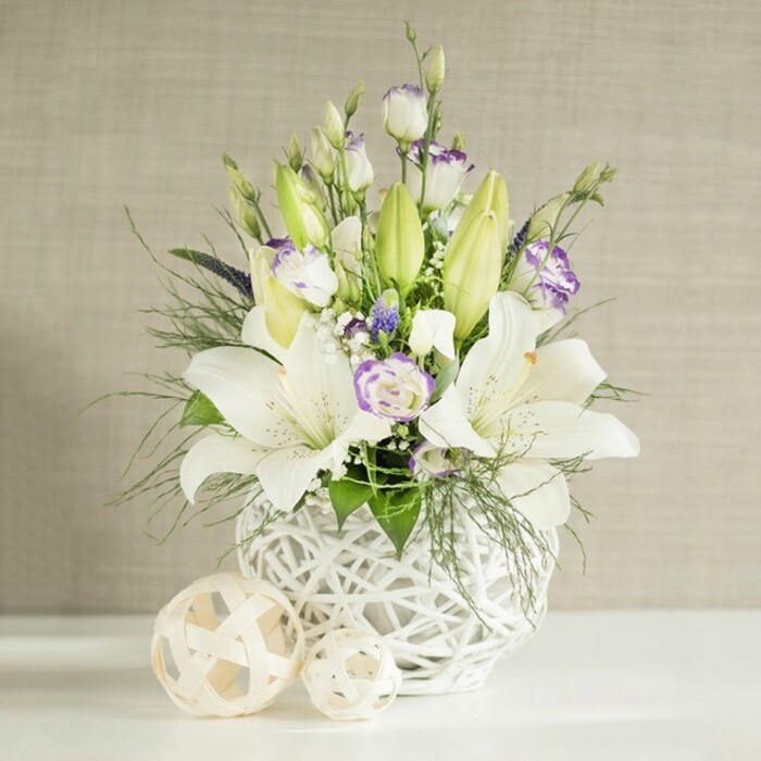 LILIUM WEDDING ARRANGEMENT